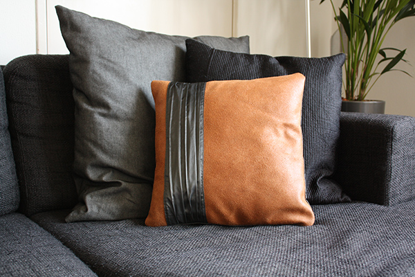 Brown leather pillow cover | Vank Design | Lëtzebuerger Designer